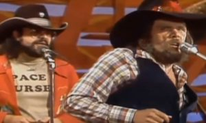 "Johnny Paycheck ""Take This Job And Shove It"" On Hee-Haw"
